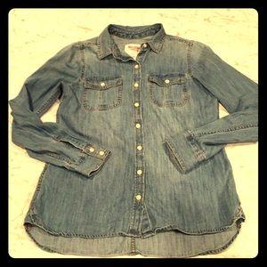 Mossimo denim shirt, size medium, perfect shape